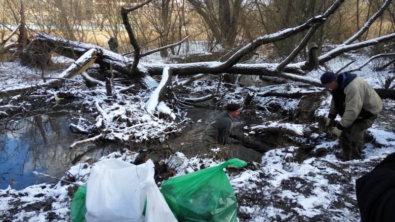 Відбулось прибирання Совських ставків в Києві